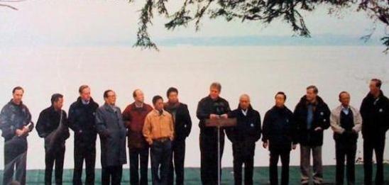 历届APEC会议领导人服装大盘点图片