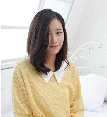 简单侧分中长发型 最新流行女士发型排行榜中榜