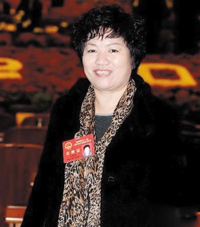据陕西省神木县公安局介绍,龚爱爱另一个名为龚仙霞的身份证确实存