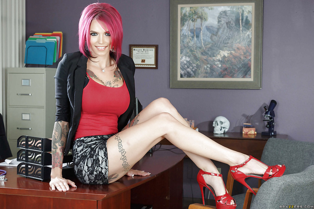 Anna bell peaks gets her husband a stripper for his birthday 9