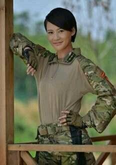 在《我是特种兵之火凤凰》中饰演沈兰妮,在《与狼共舞2》中饰演叶文.