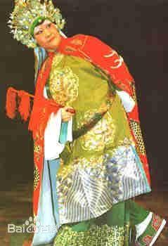 1947年入刘兆琪私人科班永风社学艺,1950年永风社改名为沈阳东北戏曲图片
