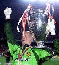 彼得.舒梅切尔-世界上最著名的足球明星排行榜